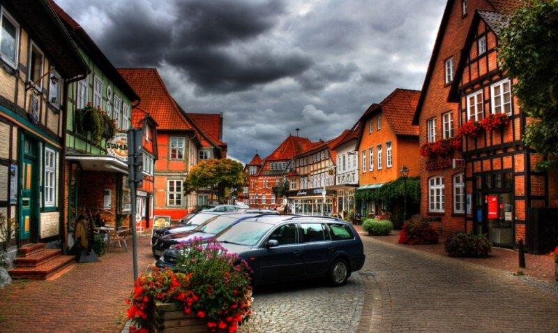 Что необходимо знать при покупке, продаже или аренде жилья в Германии